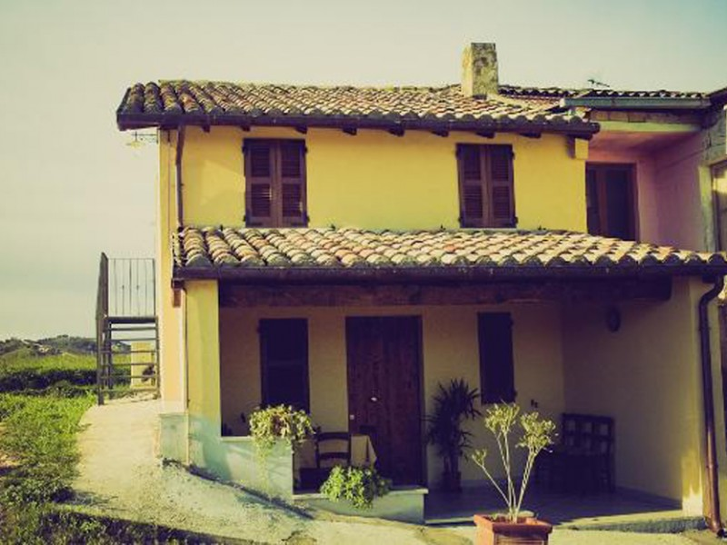 country house chiaraluce massignano